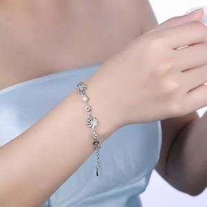 What Are Health Benefits Of Wearing Sterling Silver Bracelets?